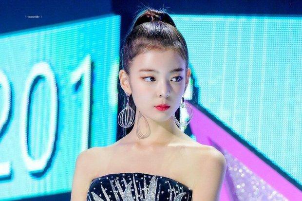 Idol thị phi Lia (ITZY): Gây tranh cãi với kỹ năng kém nhất nhóm chưa đủ, còn vướng phải scandal bạo lực học đường - Ảnh 9.
