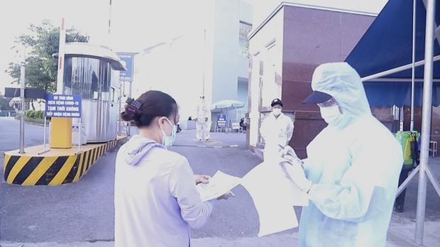 Bệnh viện K vắng vẻ trong ngày khám trở lại sau hơn 1 tháng phong toả vì Covid-19 - Ảnh 4.