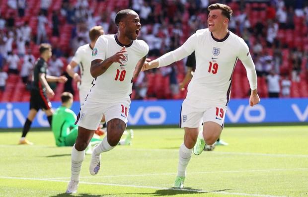 Cả đội tuyển Anh chơi ngông, tuyên bố nhuộm tóc bạch kim nếu vô địch Euro - Ảnh 3.