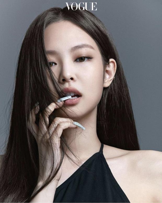 Công bố gương mặt đại diện cho mỗi nhóm nhạc hot nhất Kpop: Jennie - Nayeon thắng áp đảo, V hay Jungkook mới nổi nhất BTS? - Ảnh 4.