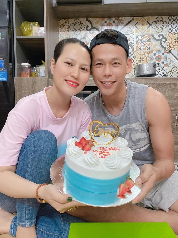 Chuyện tình xoắn não của ông chú Tấn Trường: Nhờ mê game mà quen vợ, nhờ vợ mà tiết chế game - Ảnh 2.