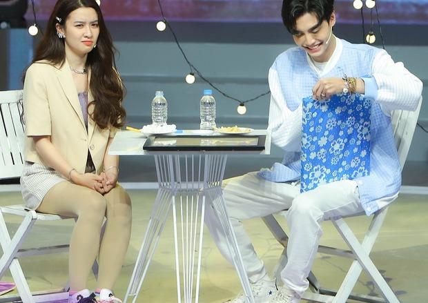 Netizen phản ứng trước yêu cầu xin lỗi từ nữ chính bị phũ ở show tỏ tình: Ủa mắc gì phải xin lỗi? - Ảnh 1.