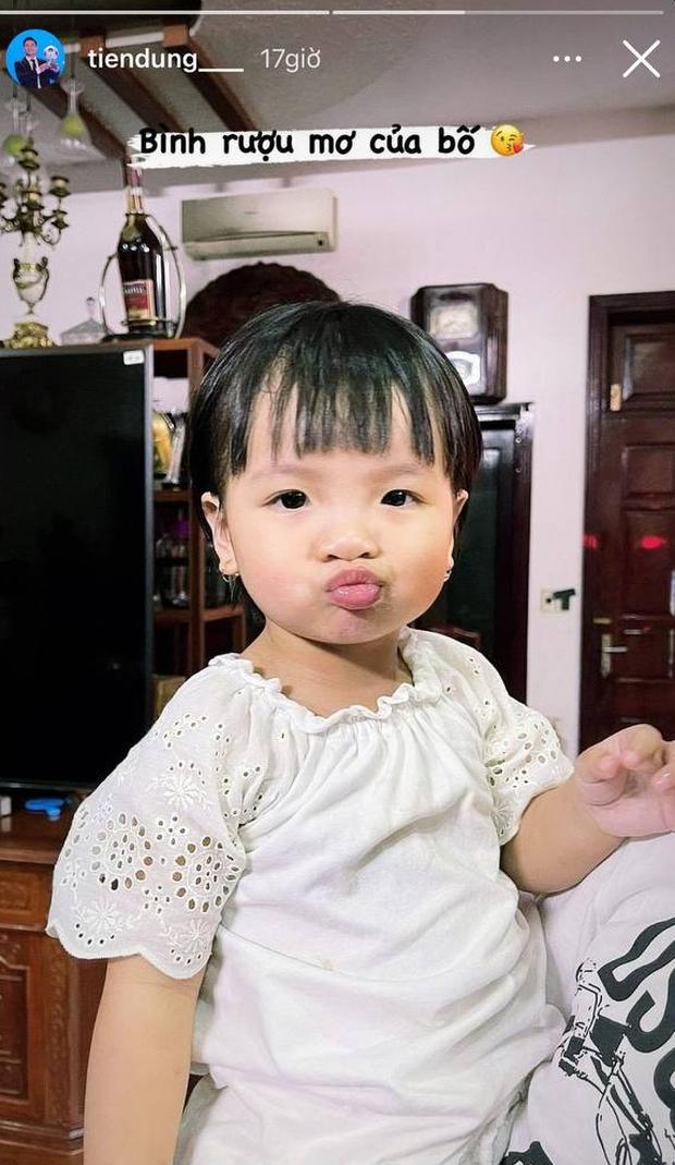 Đã đến ngày thứ 5 cách ly của ĐT Việt Nam: Có anh chơi lớn khoe ảnh cởi trần hôn bạn gái nóng 1000 độ! - Ảnh 5.