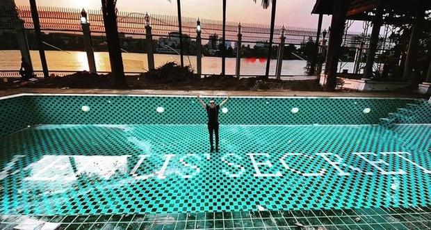 Chốt lại lùm xùm, Vũ Khắc Tiệp khoe căn siêu biệt thự 1800m2 đã hoàn thiện: Khu hồ bơi khủng, hé lộ 1 góc bên trong gây choáng! - Ảnh 4.