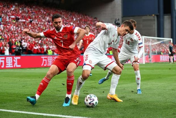 Cơn mưa bàn thắng đưa Đan Mạch vượt qua hiểm nghèo, hú vía vào vòng 1/8 Euro 2020: Xuất hiện ứng viên Pha làm bàn đẹp nhất giải đấu - Ảnh 1.