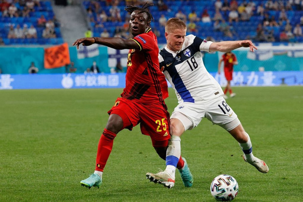 Thắng nhẹ nhàng 2-0 trước Phần Lan, tuyển Bỉ hiên ngang bước vào vòng 1/8 với 3 trận toàn thắng - Ảnh 2.