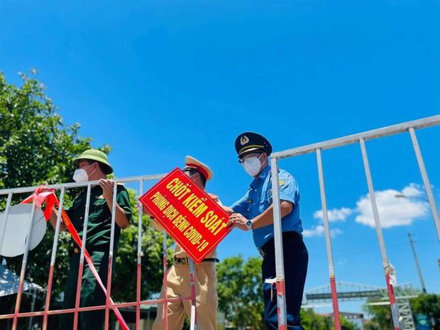 Thành phố Hà Tĩnh kết thúc giãn cách, nhà hàng, khách sạn được hoạt động trở lại - Ảnh 1.