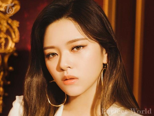 Vừa mới quảng bá xong, TWICE đã vội tung teaser comeback tiếp theo khiến fan xót xa: JYP định bóc lột idol đến bao giờ? - Ảnh 3.