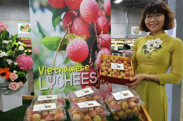 Vải tươi Việt Nam được đấu giá lên tới gần 53 triệu đồng/kg tại Australia - Ảnh 1.