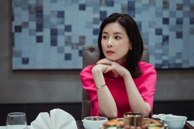6 chị đẹp phim Hàn đã giàu còn giỏi làm khán giả u mê: Tài phiệt Son Ye Jin, bà cả Mine phải lép vế trước số 1 - Ảnh 7.