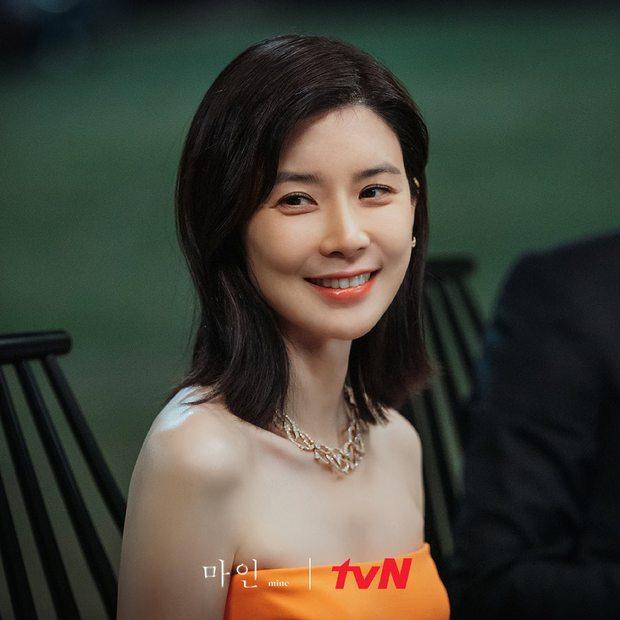 6 chị đẹp phim Hàn đã giàu còn giỏi làm khán giả u mê: Tài phiệt Son Ye Jin, bà cả Mine phải lép vế trước số 1 - Ảnh 8.