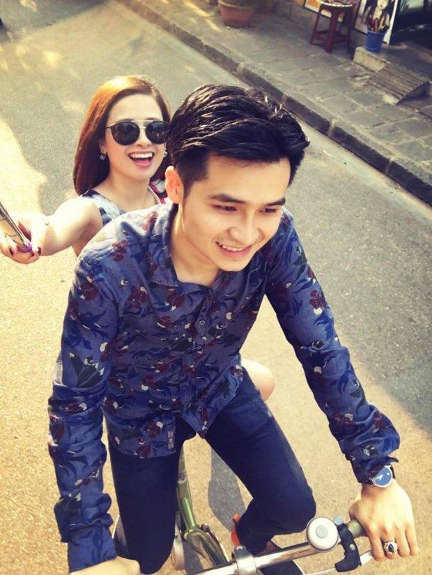 """Lâu lắm mới thấy Dương Hoàng Yến khoe ảnh tình tứ bên bạn trai: Gắn bó cả chục năm vẫn quấn quýt như """"đôi chim cu"""" thế này! - Ảnh 2."""