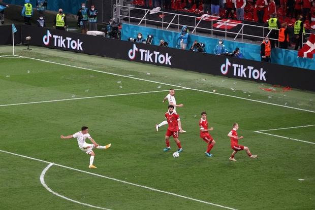 Cơn mưa bàn thắng đưa Đan Mạch vượt qua hiểm nghèo, hú vía vào vòng 1/8 Euro 2020: Xuất hiện ứng viên Pha làm bàn đẹp nhất giải đấu - Ảnh 11.