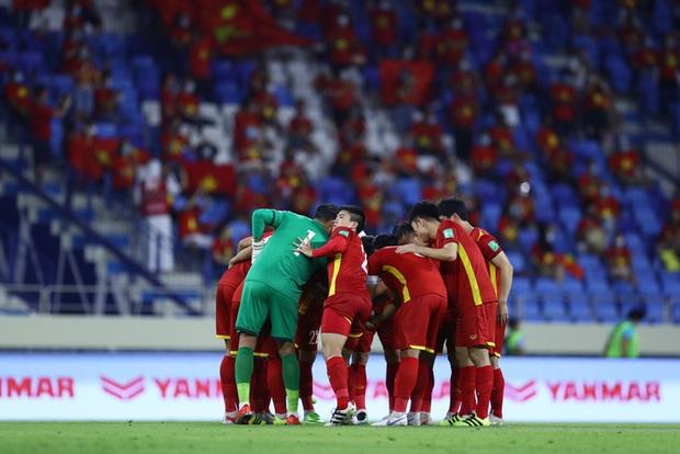 Thầy Park nói chúng tôi chiến đấu vì màu cờ sắc áo và chứng minh Việt Nam là một đội bóng mạnh - Ảnh 3.