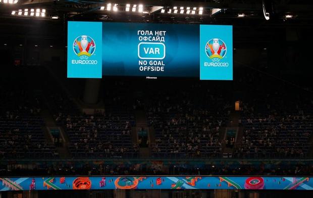 Thắng nhẹ nhàng 2-0 trước Phần Lan, tuyển Bỉ hiên ngang bước vào vòng 1/8 với 3 trận toàn thắng - Ảnh 7.