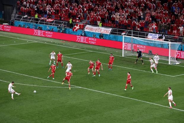Cơn mưa bàn thắng đưa Đan Mạch vượt qua hiểm nghèo, hú vía vào vòng 1/8 Euro 2020: Xuất hiện ứng viên Pha làm bàn đẹp nhất giải đấu - Ảnh 10.