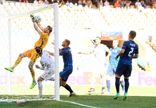 Tuyển Tây Ban Nha nghiền nát Slovakia 5 bàn không gỡ - Ảnh 2.
