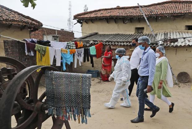 Ấn Độ và những kẻ chạy trốn vaccine: Cơn bão dịch bệnh thứ 3 đang đến gần, nhưng thà chết còn hơn - Ảnh 4.