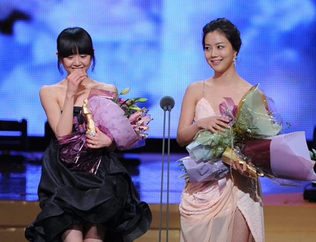 Nhìn lại 2 cặp đôi đồng giới huyền thoại của truyền hình Hàn, netizen cầu Song Joong Ki - Yoo Ah In tái hợp - Ảnh 9.