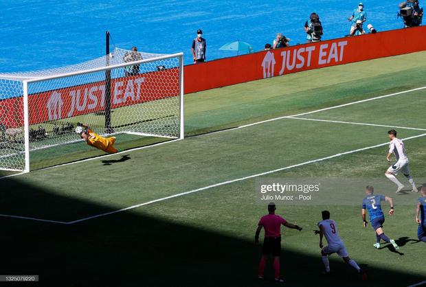 Tuyển Tây Ban Nha nghiền nát Slovakia 5 bàn không gỡ - Ảnh 11.