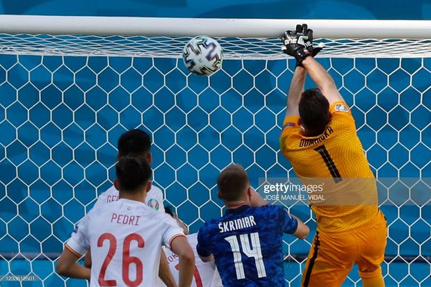 Tuyển Tây Ban Nha nghiền nát Slovakia 5 bàn không gỡ - Ảnh 8.