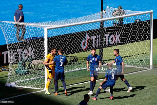 Tuyển Tây Ban Nha nghiền nát Slovakia 5 bàn không gỡ - Ảnh 12.