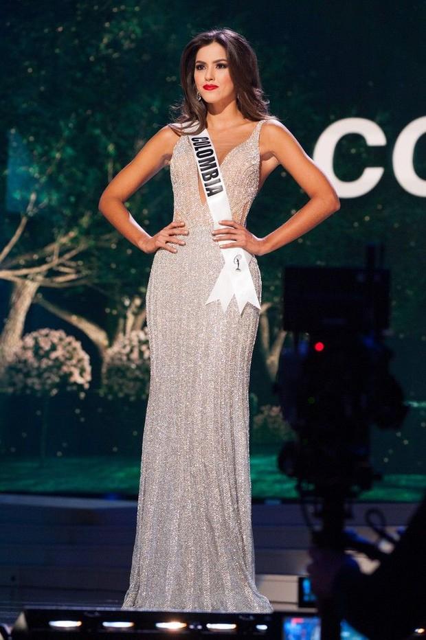 Netizen rần rần vì 1 Hoa hậu vướng sự cố trang phục trên sân khấu, tưởng gặp váy áo phản chủ mà cái kết khiến ai cũng há hốc! - Ảnh 3.