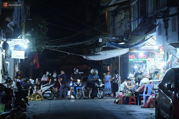 Hà Nội: Nhiều quán nhốt khách cố bán tiếp sau quy định đóng cửa trước 21h - Ảnh 5.