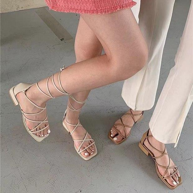 Sandal xinh mê tơi giá hạt dẻ các shop mới về: Diện mát chân mà phối với đồ gì cũng đẹp - Ảnh 5.