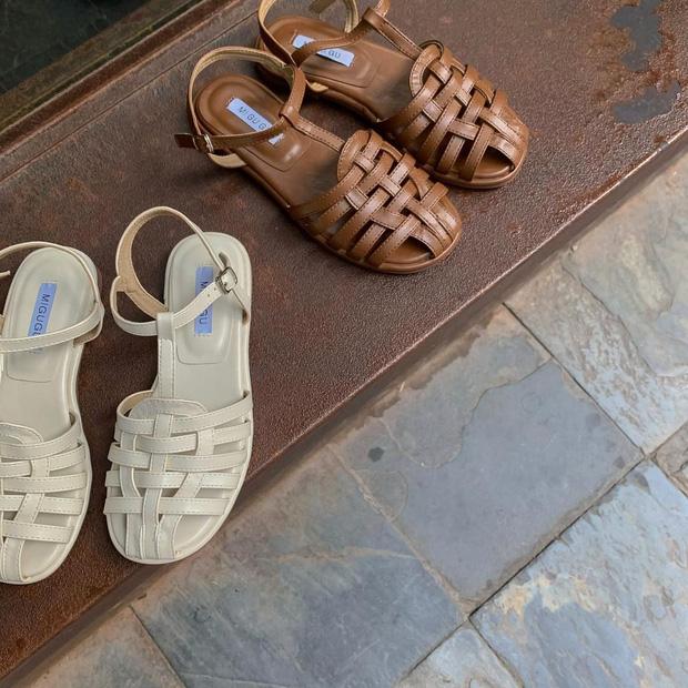 Sandal xinh mê tơi giá hạt dẻ các shop mới về: Diện mát chân mà phối với đồ gì cũng đẹp - Ảnh 9.