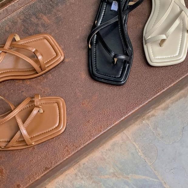 Sandal xinh mê tơi giá hạt dẻ các shop mới về: Diện mát chân mà phối với đồ gì cũng đẹp - Ảnh 3.