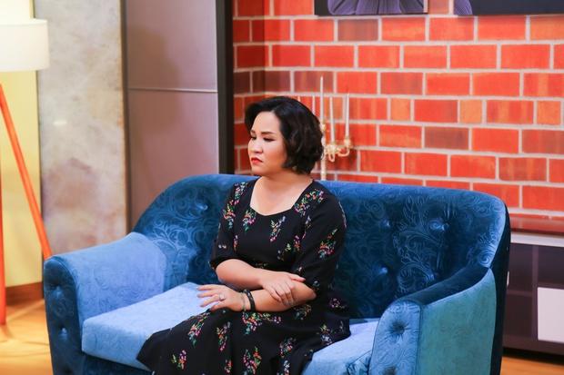 Một nữ nghệ sĩ bị chồng liên tục bỏ đi với người thứ 3 vẫn lên talk show khóc nghẹn nói xin lỗi - Ảnh 4.