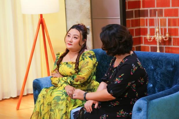 Một nữ nghệ sĩ bị chồng liên tục bỏ đi với người thứ 3 vẫn lên talk show khóc nghẹn nói xin lỗi - Ảnh 1.