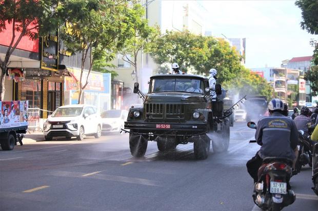 Thêm 18 ca Covid-19 mới ở Đà Nẵng đều liên quan đến bảo vệ công ty nhựa - Ảnh 1.