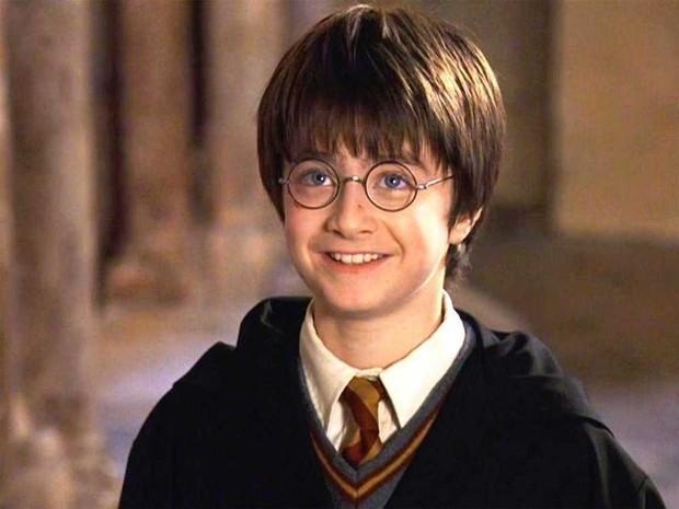 Harry Potter Daniel Radcliffe thành người thừa kế tài sản 2,5 nghìn tỷ, vừa bán nhà 46 tỷ cho bố mẹ vì có âm mưu? - Ảnh 3.