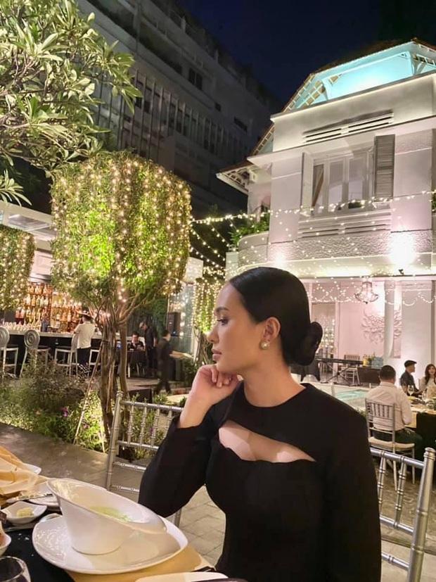 Ái nữ cựu chủ tịch CLB Sài Gòn lên đồ sang chảnh, xách túi Hermes trên dưới 80 triệu nhưng tự thấy nhìn nó vớ vẩn - Ảnh 1.