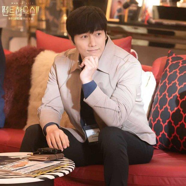 6 cameo bao xịn ở phim Hàn 2021: Bạn trai Song Joong Ki cưng xỉu nhưng vẫn mê chồng real của ác nữ Penthouse hơn - Ảnh 2.