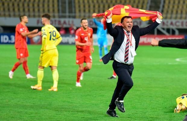 Lộ diện HLV đầu tiên từ chức tại Euro 2021 - Ảnh 1.