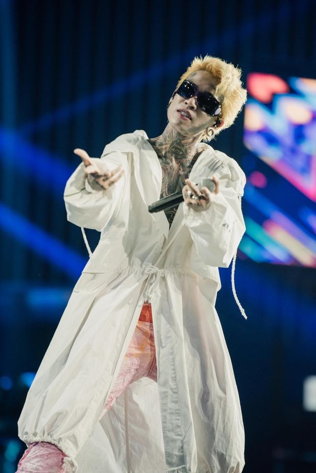 Dế Choắt bất ngờ tiết lộ điểm yếu về ngôn ngữ cơ thể và cảm giác tự ti trên sân khấu Rap Việt All-Star Concert - Ảnh 2.