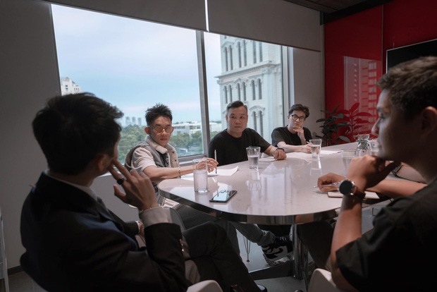 Chờ đợi ròng rã hơn 2 năm, họp 7749 cuộc họp công ty hoành tráng cùng Sơn Tùng, nghi vấn MV comeback của Kay Trần làm dạng hoạt hình? - Ảnh 3.