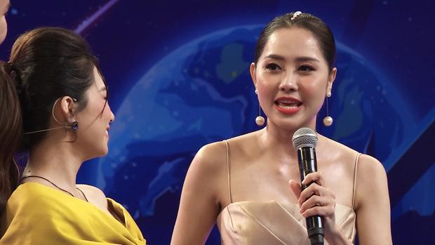 Lương Bích Hữu nhăn nhó khi nghe đàn em hát hit Mỹ Tâm - Ảnh 2.