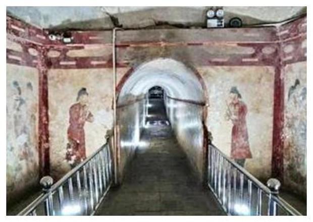 Khai quật lăng mộ công chúa đẹp nhất thời Đường, tất cả đứng hình khi thấy bộ xương khô của đàn ông đã ngồi trong đó cả ngàn năm - Ảnh 4.