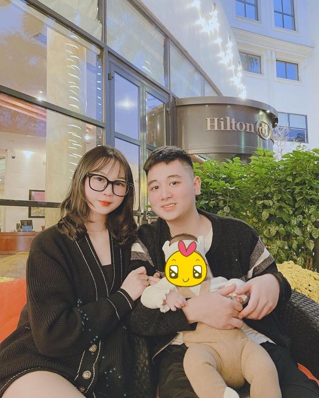 Sinh năm 2002, cô nàng bạn thân Linh Ka này đã chuẩn bị có em bé thứ 2 sau khi sinh con đầu lòng được 7 tháng! - Ảnh 1.