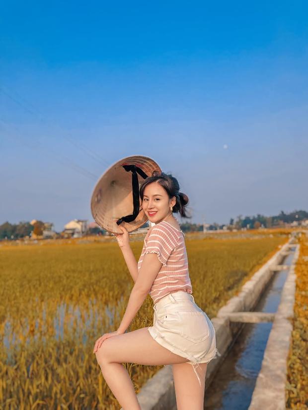 Bà Tưng đăng ảnh không khoe ngực nhưng vẫn dư sức đốt mắt dân mạng nhờ 1 chi tiết cực nuột  - Ảnh 3.