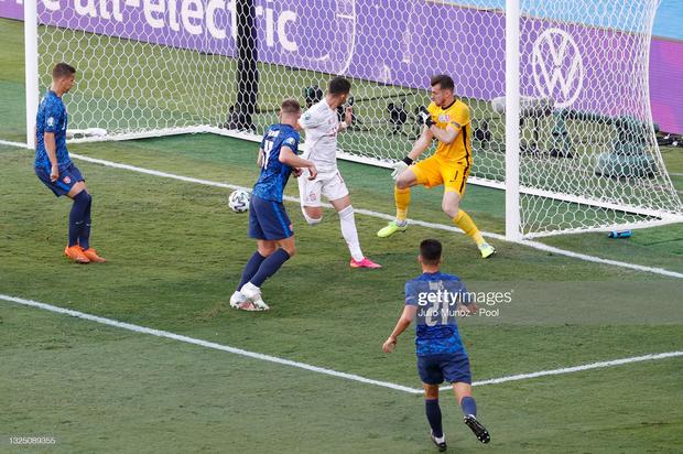 Tuyển Tây Ban Nha nghiền nát Slovakia 5 bàn không gỡ - Ảnh 3.