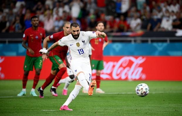 Ronaldo lập cú đúp, Bồ Đào Nha vượt qua những phút giây sợ hãi trước Pháp để tiến vào vòng knock-out - Ảnh 8.