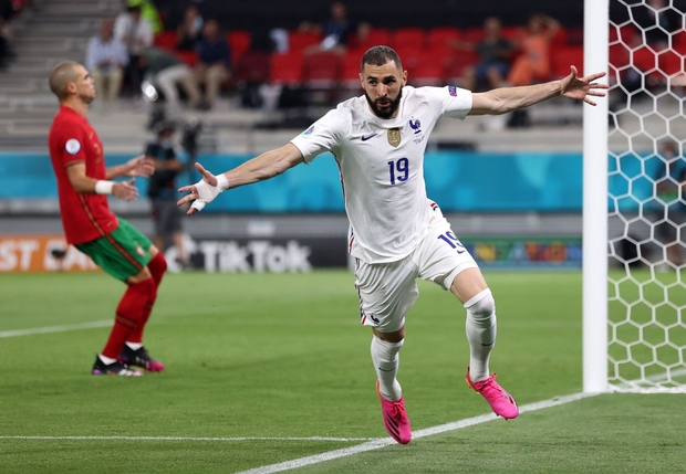 Ronaldo lập cú đúp, Bồ Đào Nha vượt qua những phút giây sợ hãi trước Pháp để tiến vào vòng knock-out - Ảnh 7.