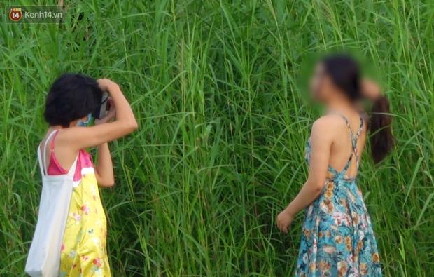 Như chưa từng có dịch Covid-19: Một số người dân ở Sài Gòn vẫn vô tư tập trung hóng mát, thả diều, bỏ luôn khẩu trang để chụp ảnh - Ảnh 5.