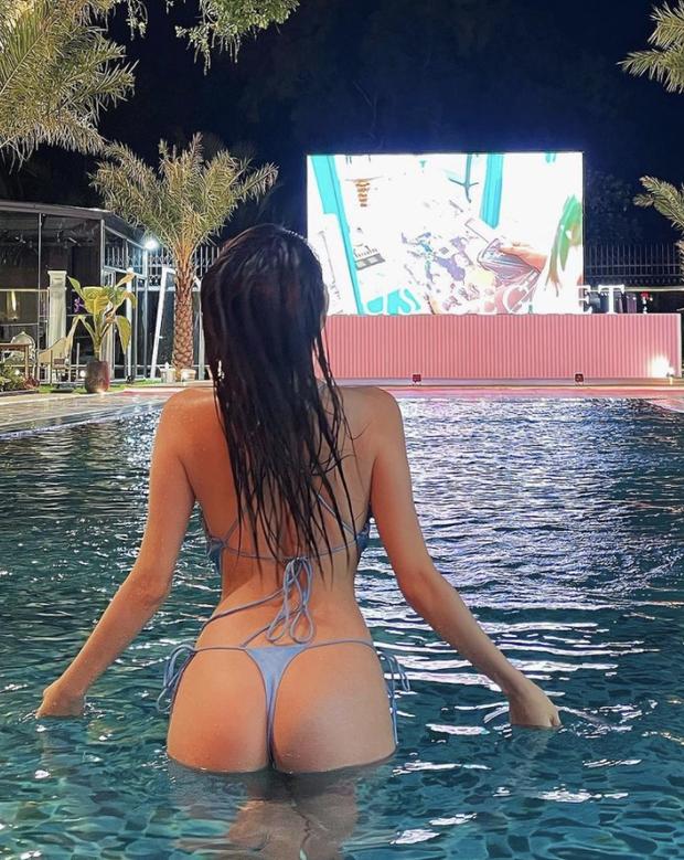 Ngọc Trinh mở hàng biệt thự của Vũ Khắc Tiệp bằng clip khoe thân cực nóng, phô diễn vòng 3 nhức mắt với bikini nhỏ xíu - Ảnh 4.