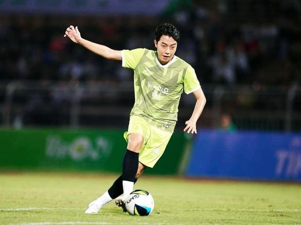 Độ Mixi, Cris Phan và nhiều hot streamer Việt mê bóng đá còn hơn cả game, nhưng đặc biệt nhất phải gọi tên Mai Linh Zuto - Ảnh 5.